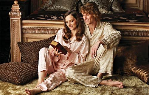 trouver le bonheur en mariage - lire au lit en couple