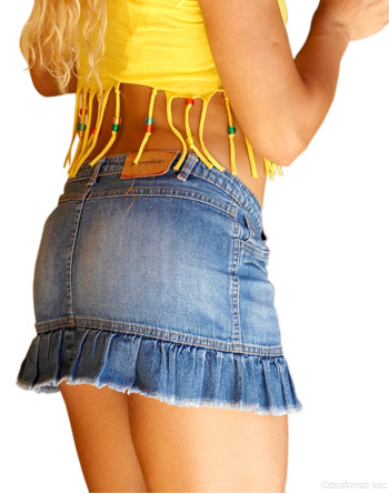 attirer l'attention de son ex - mini-jupe